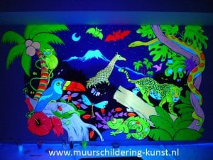 blacklight muurschildering