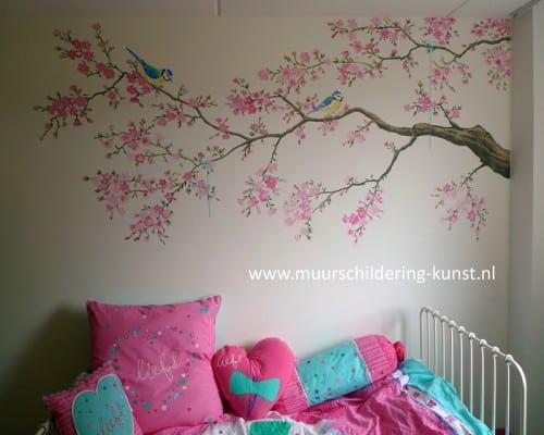 muurschildering tak met vogels