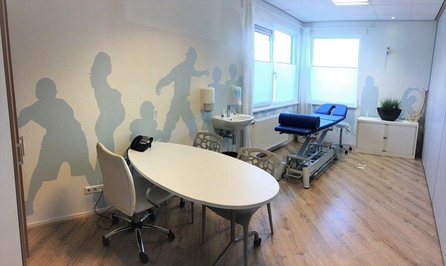 Muurschildering laten maken praktijkruimte fysiotherapie